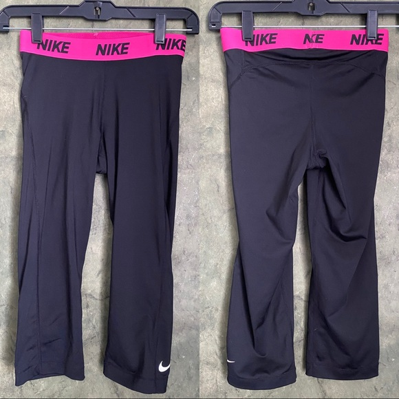 Nike Pants - Nike Spandex Black Capri Workout Leggings